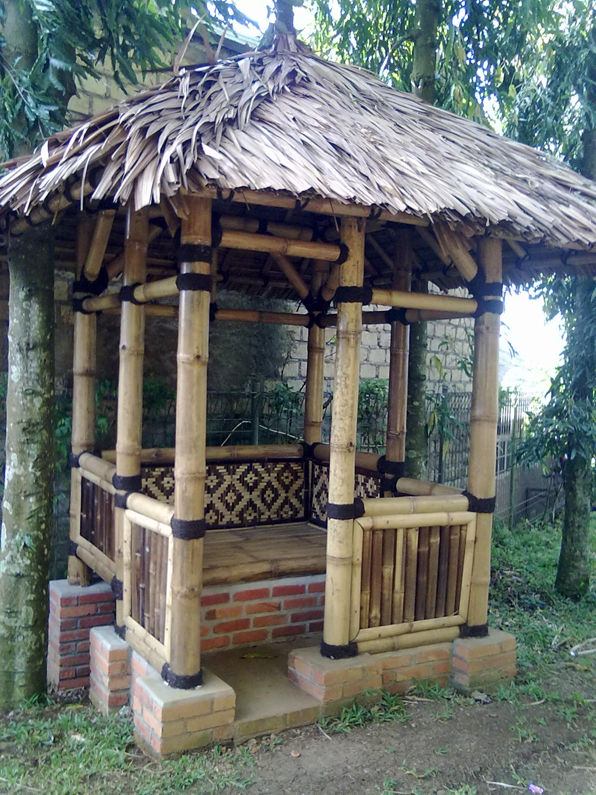 Produk kami 085727624224 jual gazebo bambu murah minimalis - Pergola bambu ...