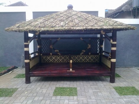 jual gazebo bambu di solo